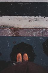 Me (rubenoteroaudiovisual) Tags: camera me rain canon lluvia 7d paraguas botas timberland umbrela cmara booots