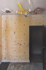 Urbex ✧ Le sanatorium Choucroute (Marie l'Amuse) Tags: urbex urban exploration ue abandonné abandoned oublié forgotten decay sale mess dirty interdit forbidden alone old vieux medical sanatorium hopital hospital asile asylum nikon d7200 couleur color colorful yellow jaune wtf enfant child dessin drawing plafond ceiling france