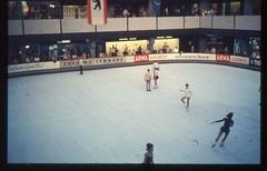 (Kaopai) Tags: west color berlin sport vintage dia 1966 architektur farbe farbig reklame westberlin historisch eiskunstlauf westen schlittschuhe arwa farbfoto eishalle mollenkopf farbdia eissport