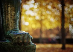 Canon (Mister Blur) Tags: autumn sculpture paris leaves bronze 35mm nikon hand bokeh depthoffield dots 18 jardinducarrousel hbw d7100 happybokehwednesday