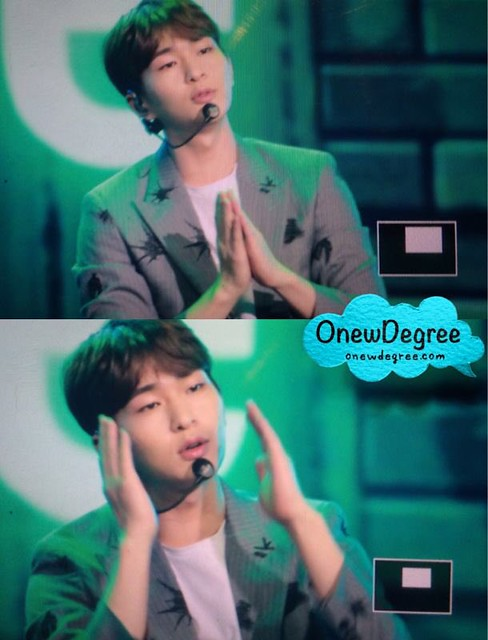 160328 Onew @ '23rd East Billboard Music Awards' 25502297393_a3e1a459e5_z