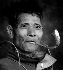 Tagin minority portrait (Linda DV) Tags: travel portrait people blackandwhite bw india monochrome canon geotagged blackwhite pipe culture clothes portraiture squareformat tribe ethnic minority 2008 discovery sevensisters tribo stam arunachal ethnology tribu worldtravel stamm 部落 trib tribù 7sisters arunachalpradesh heimo northeastindia stamme daporijo pokolenia powershots5is minorité taliha قبيلة tagin minderheid exploretheworld 부족 lindadevolder племе plemena pokolení जनजाति 部族 триба picmonkey