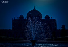 Humayun's Tomb, New Delhi (Piyush.Saxenaa) Tags: blue heritage monument water architecture nikon delhi moonlight waterdroplets newdelhi piyush 18105 humayunstomb archaeologicalsite 18105mm psphotography d5100 bluewaterdroplets nikon18105mmf3556 nikond5100 piyushsaxena piyushsaxenaa nikon18105mmafsdxzoomnikkorf3556gedvrlens