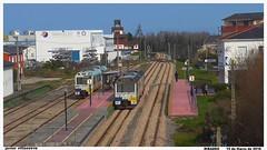 No es lo que parece (javivillanuevarico) Tags: trenes ribadeo feve 2426 2421