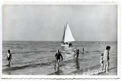 1067 - PC Noordwijk ZH (Steenvoorde Leen - 2.1 ml views) Tags: history strand boulevard postcards noordwijk kust ansichtkaart noordwijkaanzee badplaats oldcards oudnoordwijk