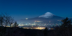 Fuji night view (shinichiro*) Tags: winter december fuji jp  crazyshin  2015   abigfave  afsnikkor2470mmf28ged  20151226ds21962 sa nikohd4s 23629705079 201603gettyuploadesp