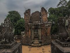"Angkor: le temple du Mébon oriental <a style=""margin-left:10px; font-size:0.8em;"" href=""http://www.flickr.com/photos/127723101@N04/23668350783/"" target=""_blank"">@flickr</a>"