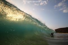 IMG_8884 copy (Aaron Lynton) Tags: sunset beach canon hawaii big maui 7d spl makena shorebreak bigbeach 580exii
