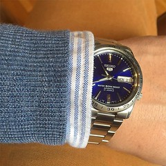 Fall colors. #wotd #wiwt #seiko #watch... (Matti Airaksinen) Tags: fashion shirt clothing watch style merinowool timepiece redwood seiko pinstripe dapper chinos knitwear tyyli muoti seiko5 wotd wiwt morgano ocbd topoftheblogs tyyliniekka uploaded:by=flickstagram zalandobloggerawards leangarments kelloniekka instagram:photo=1079234378932479465302847616 kellofoorumi