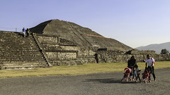 Pyramid of the Sun (Lawrence OP) Tags: sun mexico teotihuacan pyramids precolumbian