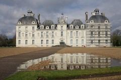 Cheverny (jessica-h) Tags: france reflection building castle water childhood architecture landscape puddle europe comic books literature tintin chateau loirevalley cheverny herge moulinsart marlinspikehall chateaudecheverny
