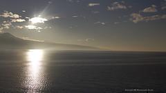 enlightment (mamuangsuk) Tags: sunset tramonto sunsetting coucherdesoleil lakegeneva lacleman 6d lavaux sunnyafternoon enlightment lakescape ef5014 lakegenevasunset sunbehindcloud litclouds mamuangsuk zentography