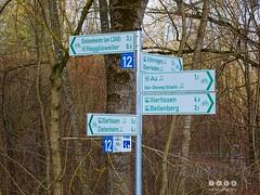 Iller -der Fluss > am Knappichsteg nahe Regglisweiler bei Fluss-Km 19,2 (warata) Tags: bridge river germany landscape bayern deutschland schild brcke fluss landschaft steg schwaben wegweiser 2016 swabia sddeutschland iller southerngermany hinweisschild oberschwaben flusslandschaft illertal upperswabia schwbischesoberland knappichsteg illerderfluss