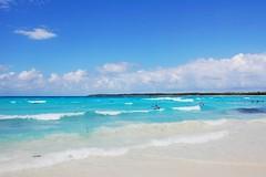 Half Moon Cay (Tatyana2016) Tags: ocean travel blue beach nature water nikon waves caribbean dslr whitesand