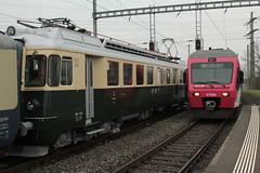 Ex SOB Sdostbahn Triebwagen BDe 4/4 82 Rapperswil ( Hochleistungstriebwagen - Baujahr 1966 - Heutige Besitzer Verein Pendelzug Mirage - Umzeichnung in EBT BDe 4/4 82 bzw. 201 mit Wappen Burgdorf ) am Bahnhof Kerzers im Kanton Freiburg der Schwe (chrchr_75) Tags: hurni christoph schweiz suisse switzerland svizzera suissa swiss chrchr chrchr75 chrigu chriguhurni chriguhurnibluemailch april 2016 april2016 hurni160409 bahnhof kerzers kantonfreiburg kantonfribourg eisenbahn bahn train treno zug schweizer bahnen sdostbahn albumsdostbahnsob sob albumblsltschbergbahn bls ltschbergbahn albumbahnenderschweiz juna zoug trainen tog tren  lokomotive  locomotora lok lokomotiv locomotief locomotiva locomotive railway rautatie chemin de fer ferrovia  spoorweg  centralstation ferroviaria