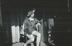 LITS, Ren, le Duc de Vrone, Romo et Juliette, 1938 (Operabilia) Tags: costume accessories gounod romoetjuliette georgesvillier claudepperna bijouxetaccessoiresdopra operastagejewelry goldenagememorabilia oprabijouxdethtre ducdevrone claudepascalperna renlits londubressy