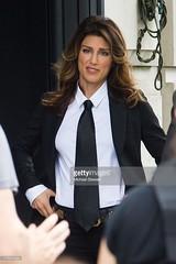 Jennifer Esposito 3 (drno_manchuria (simonsaw)) Tags: fashion shirt movie moda tie suit actress corbata gravata traje terno camisa menswear actriz suitup jenniferesposito trajeada
