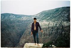 (tayn3) Tags: selfportrait film analog 35mm landscape desert kodak middleeast dana olympus jordan arabia 100 analogue olympusom2 epic ektar 100iso olympusom2n finegrain kodakektar ektar100