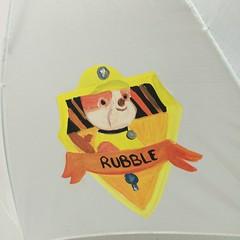 PARAGUAS INFANTIL. (fundacioESPURNA) Tags: paraguas botigaespurna