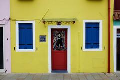 Burano : la maison jaune. (http://visiteursdumonde.com) Tags: venice venise venezia burano