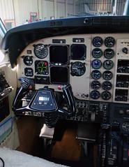 Captain's Seat (Antnio A. Huergo de Carvalho) Tags: king panel seat air cockpit captain beechcraft comandante pilot painel kingair c90 c90b prrma