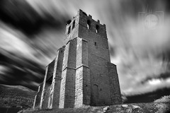 Santa Eulalia cara SUR en IR (Antonio.Vallano) Tags: ir torre edificio iglesia ruinas contraste campanario filtro largaexposicin infrarrojo trpode santaeulalia 850nm