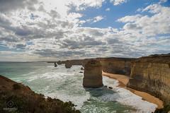 W-IMG_5748 (baroudeuses_voyage) Tags: ocean road sea beach londonbridge rocks oz cove great meadow australia roadtrip victoria cliffs van greatoceanroad 12apostles apostles australie gor elgrotto