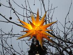 00722678 Weihnachtsmarkt (golli43) Tags: sunset sun streets rain sunrise mond heaven himmel wolken weihnachtszeit weihnachtsmarkt dezember neighbours sonne katzen nachbarn homesweethome regen spaziergnge spaziergang streetlive segelflieger