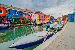 Colourful , Burano (Hen) Tags: sky people italy cloud building river boat nikon ship afternoon tokina    burano