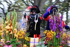 Sinterklaas (Santa Claus) Parade in Den Haag (Crumblin Down) Tags: santa party music holiday black holland netherlands sinterklaas face kids balloons boat den parade hague event pete arrival claus haag piet zwarte