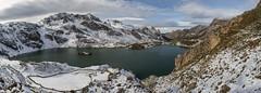 Lago del Valle, Somiedo (Chin Chinau) Tags: lake lago nieve valle asturias invierno montaa somiedo