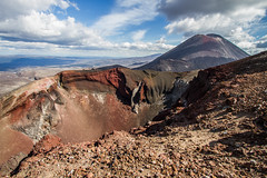 Mont Ngauruhoe & Red Crater (5891onilocin) Tags: red crossing alpine crater monte tongariro mont ngauruhoe vulcano