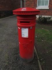 Market Drayton TF9 424D VRWB Shropshire (Bridgemarker Tim) Tags: shropshire staffordshire services letterboxes postboxes glocester tf9