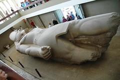 098 De liggende Ramses II, Memphis (rspeur) Tags: memphis egypt cairo