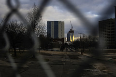 FMC Tower Fenced (phillytrax) Tags: city urban usa philadelphia america construction unitedstates cloudy westphiladelphia pennsylvania pa metropolis philly chainlinkfence metropolitan westphilly universitycity thesummit 215 cyclonefence cityofbrotherlylove lancastersquare fmctower ucitysquare