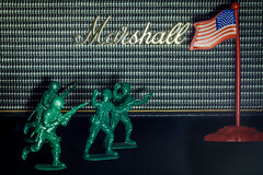 U.S. Marshals (MagnusBengtsson) Tags: stilleben marshall högtalare leksaker filmtitel fotosondag fs160214 plastsoldater