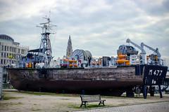 Inge Hoogendoorn (ingehoogendoorn) Tags: haven skyline boot boat cityscape angle cathedral harbour absurd perspective kerk forcedperspective antwerpen kathedraal absurdism hoek schip