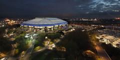 Dunkle Wolken... (uwe1904) Tags: stadion gelsenkirchen blauestunde fusball veltinsarena fcschalke04ev