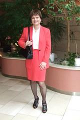red skirtsuit (Marie-Christine.TV) Tags: lady tv feminine skirt tgirl transvestite secretary businesssuit kostm mariechristine skirtsuit sekretrin