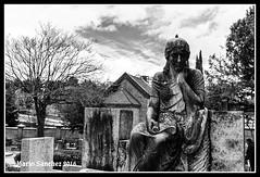 Mortem (Mario Snchez Cachero) Tags: cementerio muerte mausoleo panten cementeriocivil