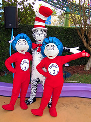 Thing 1, The Cat in the Hat and Thing 2 (meeko_) Tags: hat cat islands orlando florida thing adventure characters universal drseuss themepark thing1 thing2 seusslanding islandsofadventure thecatinthehat universalorlando universals universalsislandsofadventure universalorlandocharacters