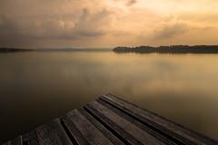 Gavirate, lago do Varese (Iskandar__) Tags: lake lombardia varese lakescape lagodivarese