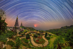 Star Trails (Fevzi DINTAS) Tags: longexposure travel flowers sky holiday tourism nature night garden stars landscape thailand temple amazing asia trails places visit planets astronomy moment pagodas nationalgeographic destinations paza140