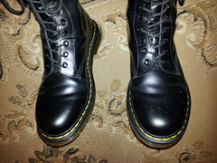 20160322_190217 (rugby#9) Tags: original black feet yellow hole boots 10 lace dr air 7 icon wear size stitching comfort sole doc cushion soles dm docs eyelets drmartens bouncing airwair docmartens martens dms 1490 cushioned wair 10hole doctormarten yellowstitching
