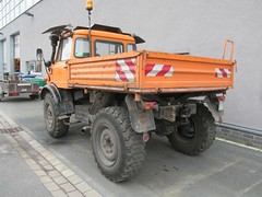 MB Uniomog (Vehicle Tim) Tags: orange truck mercedes kipper mb unimog lkw komunal