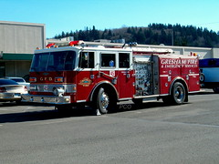 Gresham (policecarsoforegon) Tags: oregon fire fireengine multnomahcounty engine45 paramedicunit greshamfireemergencyservices