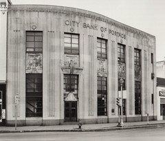 City Bank of Portage, Exterior