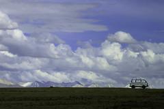 Himalaya's wildlife (De.Ha) Tags: sky cloud india mountain snow bus car clouds montagne landscape ciel neige nuage paysage inde ladhak