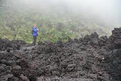 DSC_5647 (Kent MacElwee) Tags: latinamerica volcano highlands guatemala antigua centralamerica pacaya lavarocks activevolcano volcanpacaya