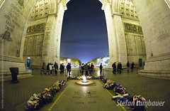 Tomb of the Unknown Soldier (Stefan Lambauer) Tags: city cidade paris france europa frana fr arcdetriomphe tomboftheunknownsoldier 2015 stefanlambauer tumbadosoldadodesconhecido